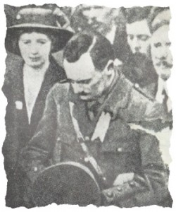 Pearse at funeral of O'Donovan Rossa in Glasnevin, Dublin